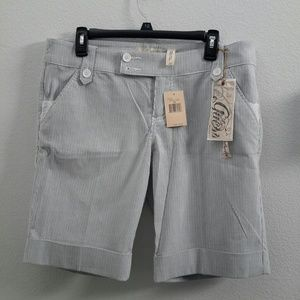 Guess shorts, size 32, NWT